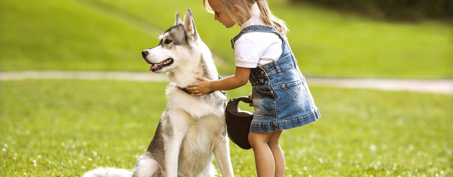 girl_with_dog_full